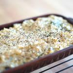 豆腐とナッツのクリームでヘルシーに♪ほうれん草と玉ねぎのクリーミードリア!