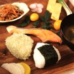 基本の一汁三菜レシピ。日本の朝食ワンプレートの作り方