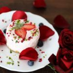 冬こそ食べたい。情熱のストロベリーアイスケーキの作り方