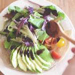 ブルーベリージャムをソースにした野菜もりもりのサラダガレット!!