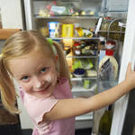 簡単ひと手間で冷蔵庫の中を片付けて使いやすい料理空間を作るコツ