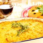 ワインと一緒に食べたい!きのこにマカロニ、とろ~りチーズのマカロニグラタン♪