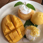 意外と簡単♪マンゴーのお洒落な切り方・食べてきれいになれちゃう簡単デザート