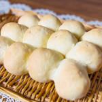 ボウルひとつで混ぜるだけ!基本のちぎりパンのつくり方