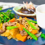 家庭料理の定番レシピ!肉じゃがワンプレートのつくり方