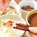 バニラアイスにチョコソース、好きな味にチャレンジできるアレンジチュロス♪