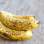 卵・牛乳不使用!混ぜて焼くだけの完熟バナナケーキ