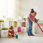 お手伝いはコミュニケーションの一貫!子どもと一緒に楽しくお掃除する方法