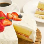 クリスマスのテーブルに並べたい、雪のように真っ白ないちごのショートケーキ♡