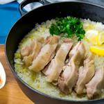 ココット鍋ひとつで作る!素朴な味わいがクセになる「カオマンガイ」