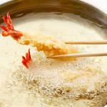 フライと天ぷらはどっちが高カロリー?意外と知らない揚げ物の違いと吸油率の関係