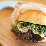お花見やピクニックで食べたい春の味覚、菜の花のサンドイッチ♪