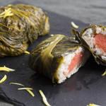 お弁当にピッタリ!近畿地方の郷土料理、しらすと明太子のめはり寿司♪