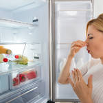 冷蔵庫くっさ!なにが原因?どうやって消臭すればいい?冷蔵庫の臭いを消すコツ