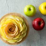 見た目も華やか♪3種類のりんごでつくるローズアップルタルト