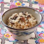 沖縄ご飯の「じゅーしー」って何?作ってみれば意外と簡単な沖縄風炊き込みご飯