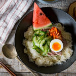 ピリ辛×冷え冷え=食欲増進♪かき氷のようなスープのシャリシャリ冷麺
