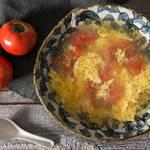 冷房で冷えてしまった身体をぽかぽかに♡酸味とトマトのダシがきいたトマト酸辣湯!