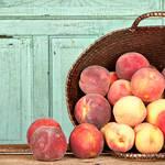 旬の桃をおいしく食べたい。果物にはおいしい食べ方があるって本当?