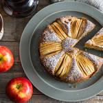りんごの甘さを引き立てる!りんごとシナモンのケーキ☆