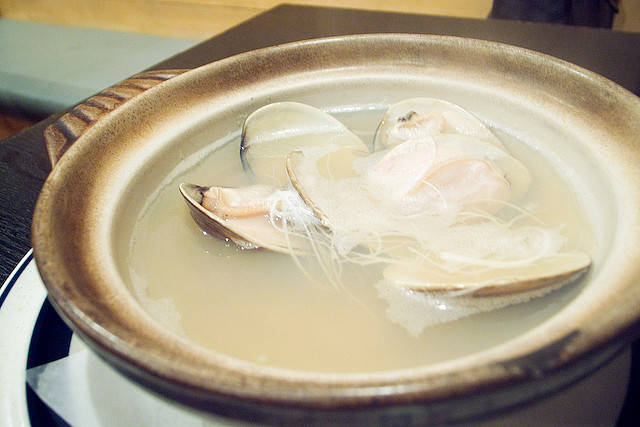 steamed clam with sake | Flickr - Photo Sharing! (797)