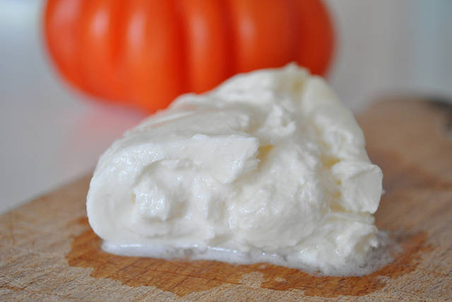 Mozzarella burrata - 2012-09-10 | Crテゥmeuse, avec un dテゥlicat 窶ヲ | Flickr - Photo Sharing! (5782)