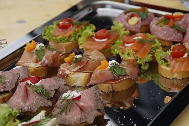 無料の写真: チャンク, サンドイッチ, 食べる, パーティ, パーティー - Pixabayの無料画像 - 343244 (7635)