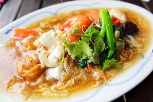 leungchopan/Shutterstock.com (12852)