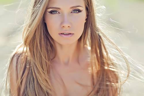 Nina Buday/Shutterstock.com (15349)