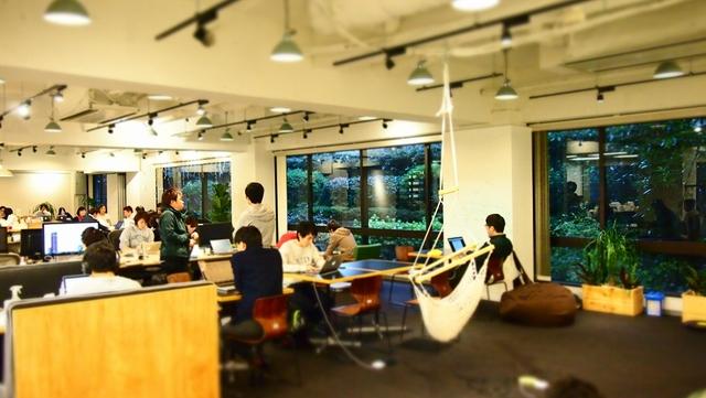 カッコイイがサマになる『SmartNews』渋谷内で庭園が広がるオフィスって?