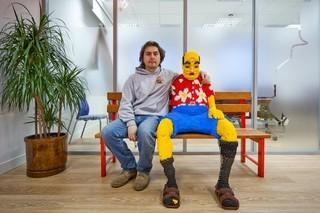 シンプルかつ童心あふれる世界のLEGOオフィス