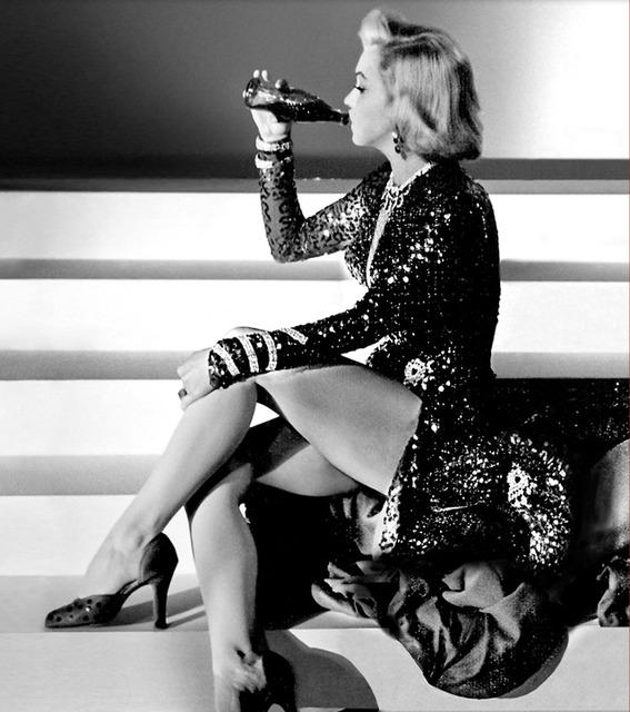 マリリン・モンローも愛飲コカ・コーラ❤︎イギリス本社を見てたら飲みたくなってくる?!