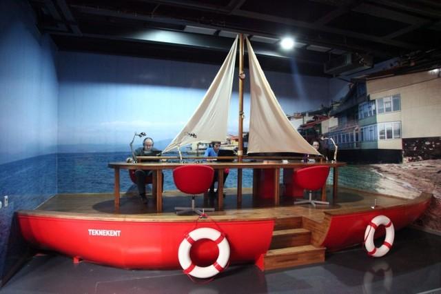 仕事、休憩スペースが充実しているWeb.tvのトルコオフィス!!