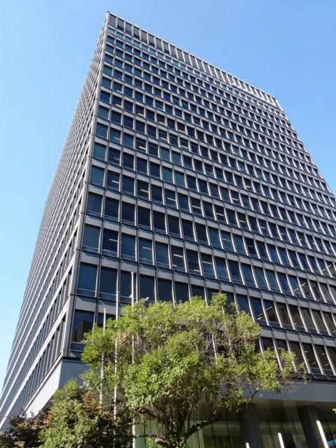 皇居の隣地で四方を首都高速に囲まれるオフィスビル!!