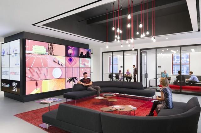 Shutterstock(シャッターストック)のオフィスはあのNYのシンボルビルの中に♪