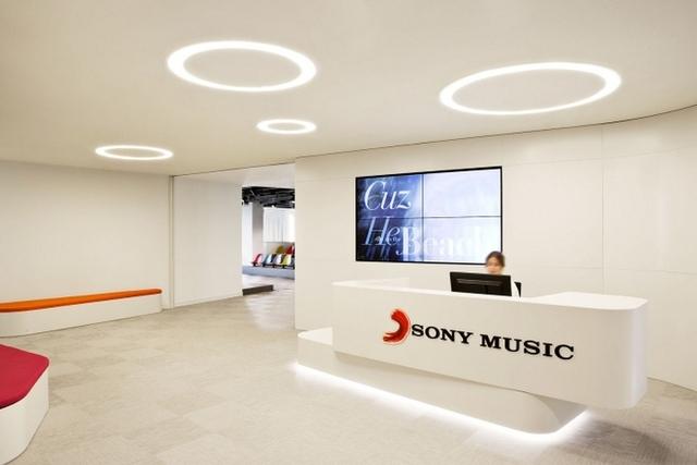 カラフルで明るいSONY MUSICのマドリッドオフィス♪