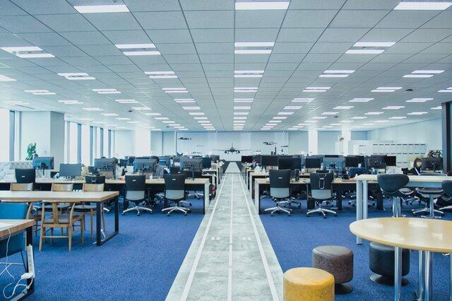 物流DX(デジタルトランスフォーメーション)の実現へ。従業員が世界へ羽ばたくこだわりのオフィス! | CBcloud株式会社