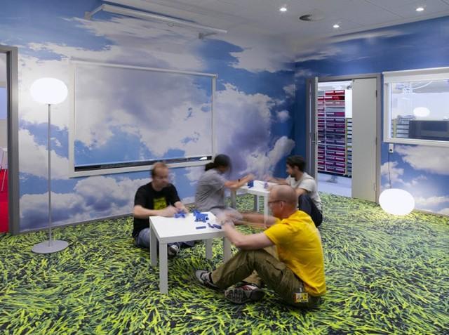 http://www.sijalica.com/interior/legos-office-in-denmark/ (13)