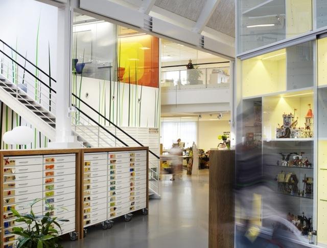 http://www.sijalica.com/interior/legos-office-in-denmark/ (59)