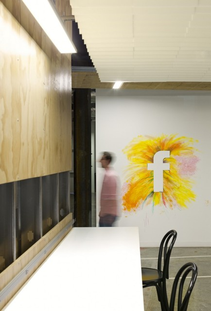 http://officesnapshots.com/2013/02/04/facebook-menlo-park-office-design/ (81)