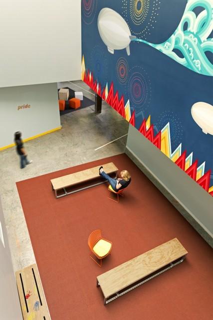 http://officesnapshots.com/2013/02/04/facebook-menlo-park-office-design/ (86)