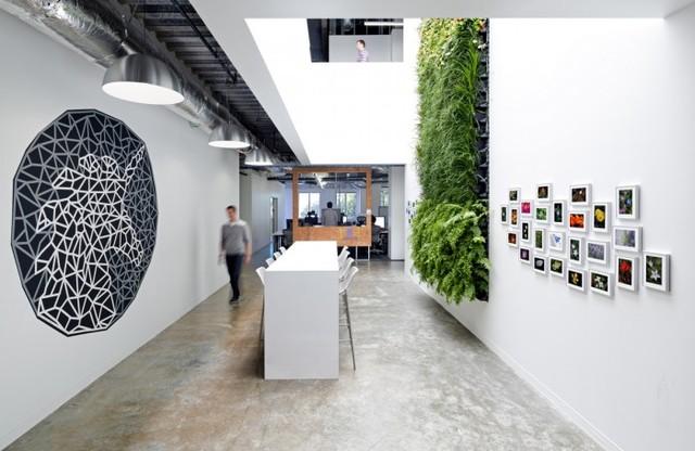 http://officesnapshots.com/2013/02/04/facebook-menlo-park-office-design/ (87)