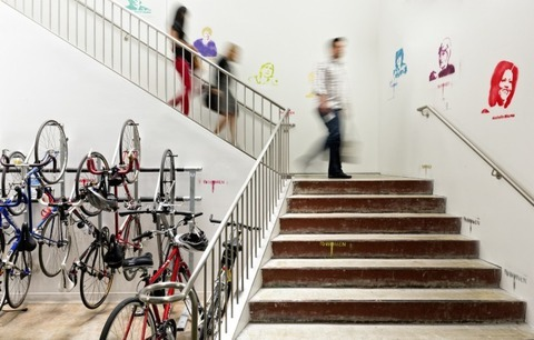 http://officesnapshots.com/2013/02/04/facebook-menlo-park-office-design/ (88)