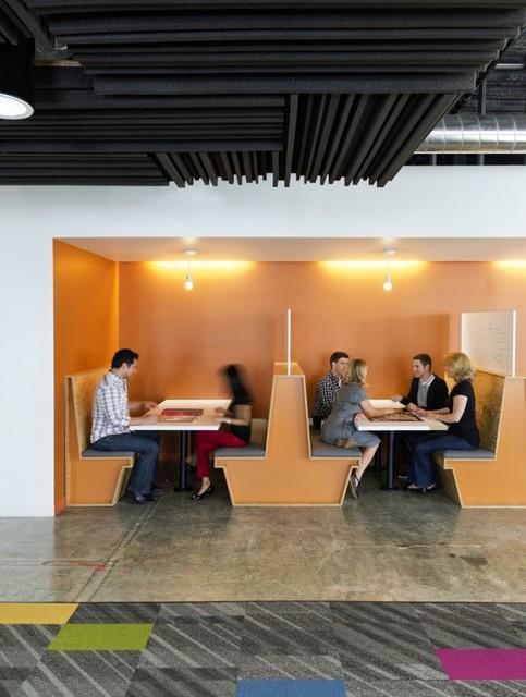 http://officesnapshots.com/2013/02/04/facebook-menlo-park-office-design/ (91)