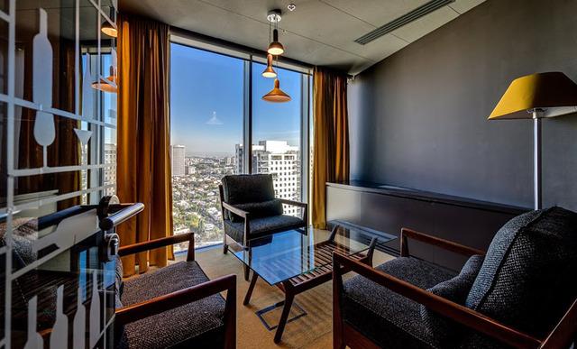http://officesnapshots.com/2013/01/31/google-tel-aviv-office-design/ (178)