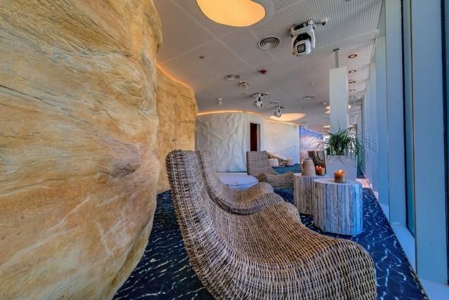 http://officesnapshots.com/2013/01/31/google-tel-aviv-office-design/ (188)