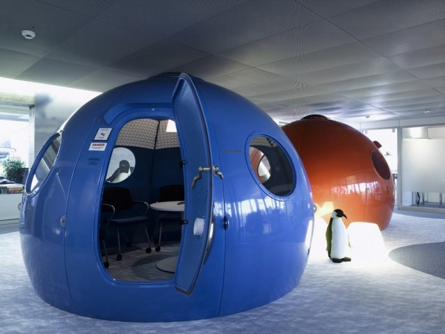 http://officesnapshots.com/2012/02/17/awesome-previously-unpublished-photos-of-google-zurich/ (210)