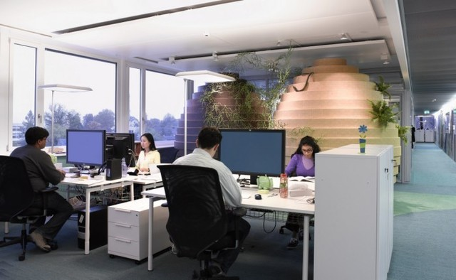 http://officesnapshots.com/2012/02/17/awesome-previously-unpublished-photos-of-google-zurich/ (214)