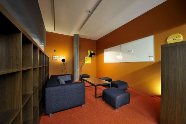 http://officesnapshots.com/2012/02/17/awesome-previously-unpublished-photos-of-google-zurich/ (218)