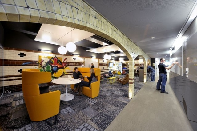 http://officesnapshots.com/2012/02/17/awesome-previously-unpublished-photos-of-google-zurich/ (226)